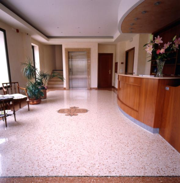 Legante epossidico e resine per pavimenti veneziana for Veneziana pavimento
